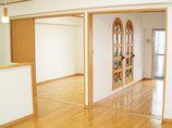 内装リフォームお気に入りのステンドグラスが鑑賞できる空間