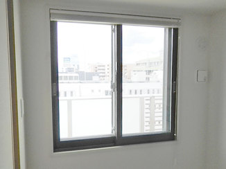 小工事 強い日差しをカットし、エアコンの効きを良くする内窓