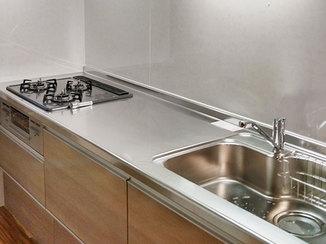 キッチンリフォーム 収納が使いやすい、ダイニングとマッチするキッチン