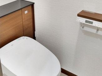 トイレリフォーム タンクレス風のお掃除しやすいスッキリしたトイレ