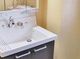 洗面リフォーム収納が増えて使いやすい、あたたかい雰囲気の洗面所